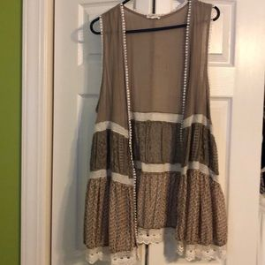Easel BOHO crocheted vest.  Size LG